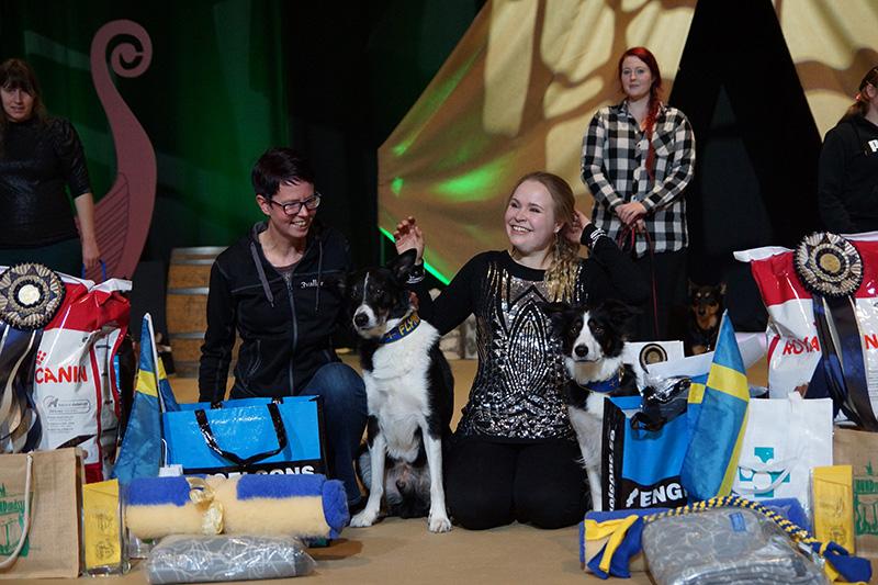 Vinnare HTM Anna Larsson med Flynn (till vänster), Vinnare Freestyle Jonna Smedberg med Zoya